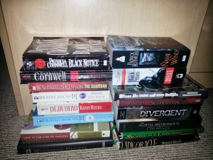 Yes, I read procedurals, classics, and other stuff as well as fantasy ;)